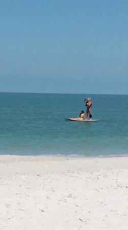 Vanderbilt Beach Resort: Paddle Boarders on the high seas!