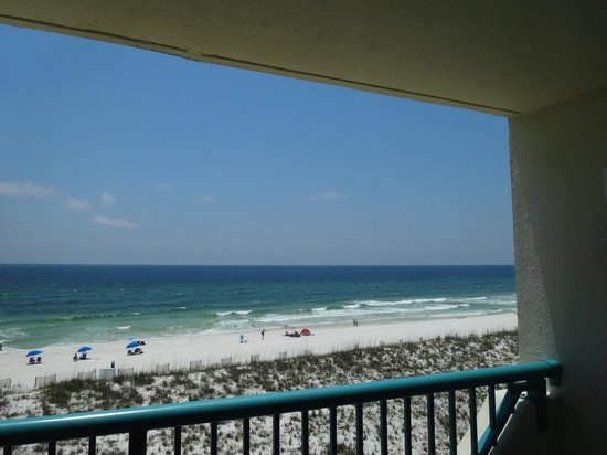 Holiday Inn Express Pensacola Beach: Every room had views like this - ours was 4th floor