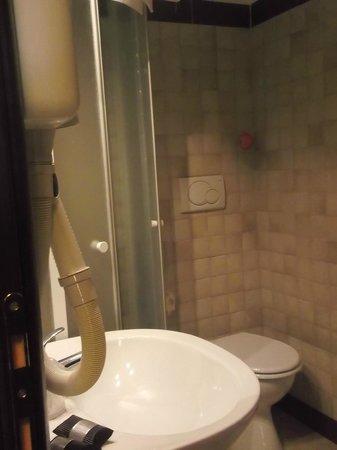 Holiday a San Pietro : la doccia