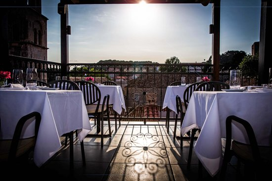 Hotel Stari Grad: Rooftop dining at its best!
