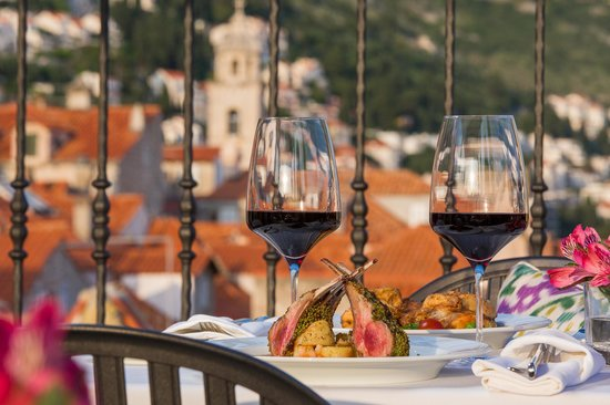 Hotel Stari Grad: Enjoy delicious meals at the only rooftop restaurant in Dubrovnik's Old Town - Above 5