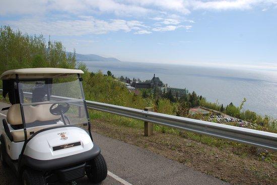 Fairmont Le Manoir Richelieu Golf Club: Sentier panoramique en route vers le clubhouse