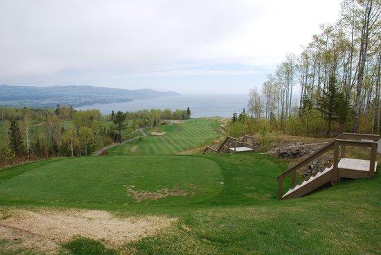 Fairmont Le Manoir Richelieu Golf Club: Trou no 1 (parcours St-Laurent)