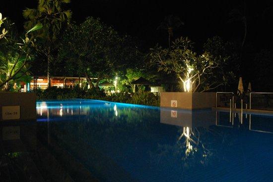 Kempinski Seychelles Resort : pool