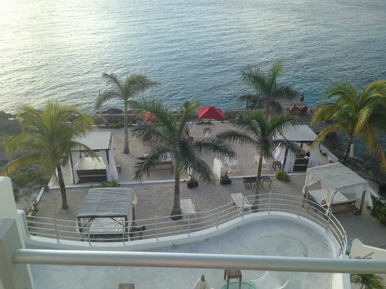 Hotel B Cozumel : Another view from Room 401 (suite)