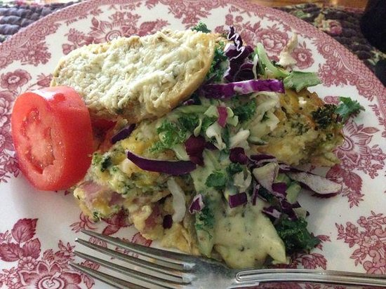 The Wild Iris Inn : Breakfast - 2nd Course - Garden Frittata