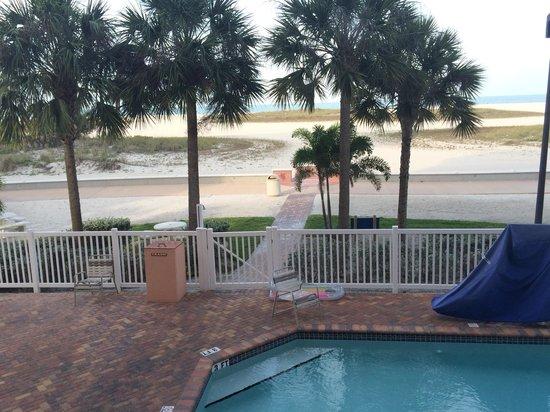 Surf Beach Resort: Beach view from balcony