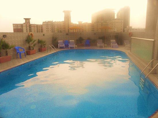 Landmark Hotel Riqqa : The swiming pool