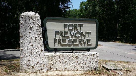 Fort Fremont: Old Fort Ruins