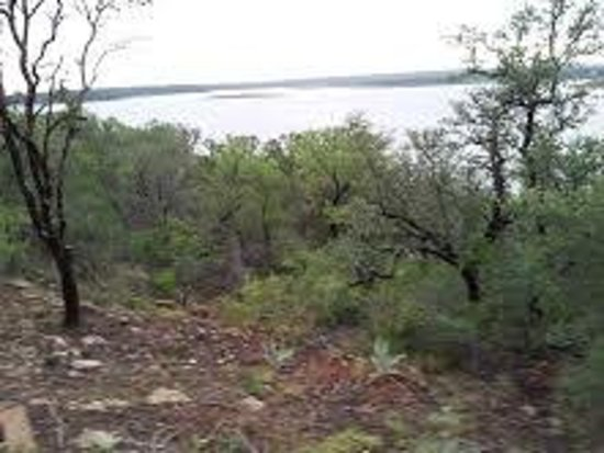 Lake Brownwood State Park: view from porch and picnic table