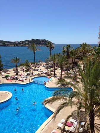 Pool area picture of trh jardin del mar santa ponsa for Aparthotel jardin del mar mallorca
