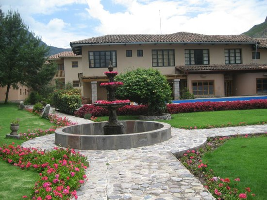 San Agustin Urubamba Hotel: Jardín interior