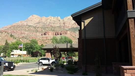 Hampton Inn & Suites Springdale Zion National Park: Hampton Springdale, UT May 2014