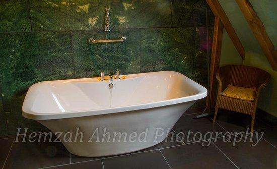 Belle Grove: Sumptuous Bathroom