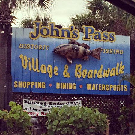 Surf Beach Resort: John's Pass Village