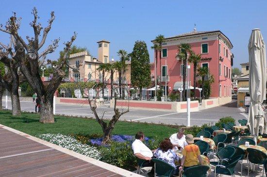 Hotel Alla Riviera Bardolino Italie Voir Les Tarifs