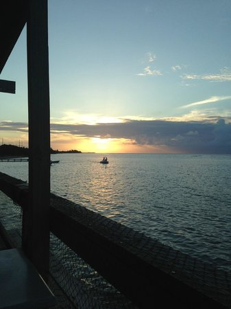 Compass Point Dive Resort : Sunset from a restaurant close by