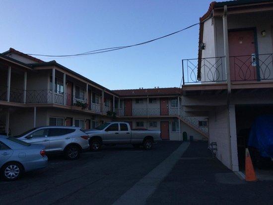 El Camino Inn : tucked away in the city