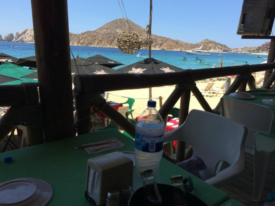 The Sand Bar: Great Location on Medano Beach