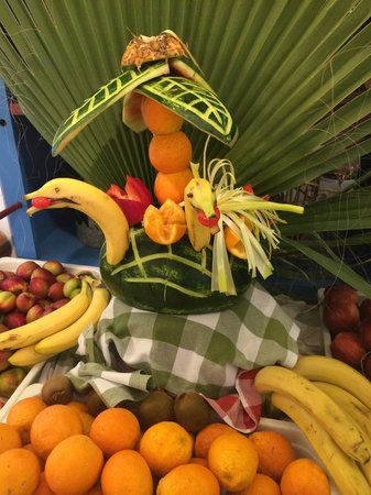 Atlantica Club Sungarden Hotel: fruit art changed daily