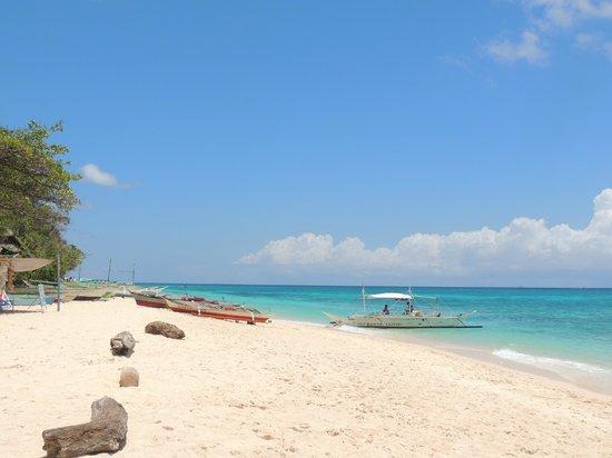 Yapak Beach (Puka Shell Beach): left side