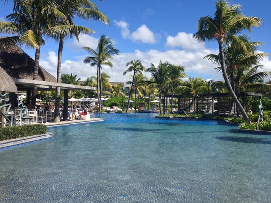 Long Beach Mauritius: Main pool