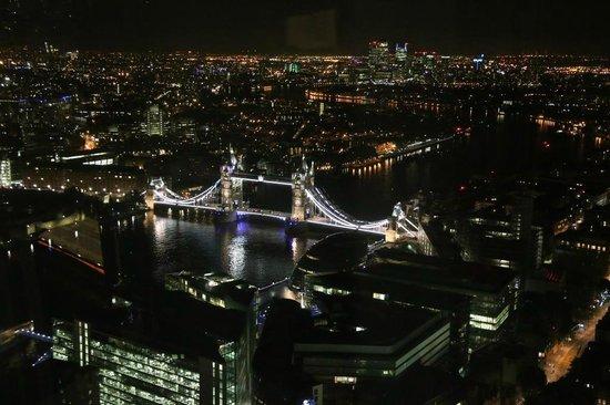 Shangri-La Hotel, At The Shard, London : The view at night