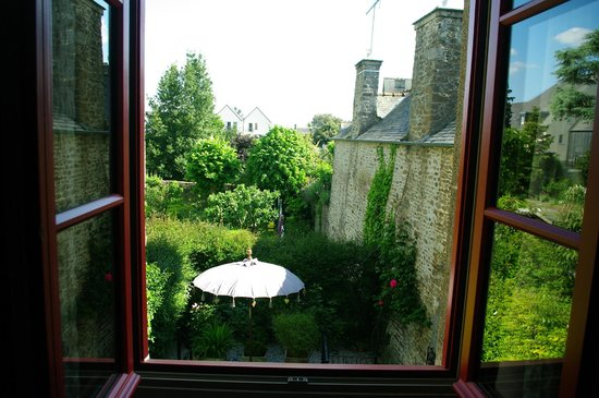 La Maison Pavie: view from window to the rear