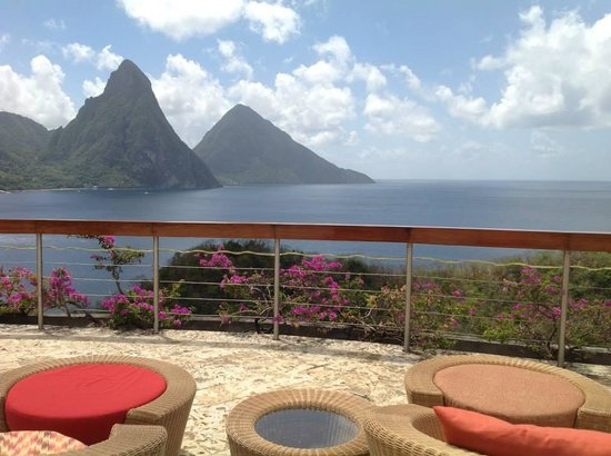 Jade Mountain Resort : View from the top!