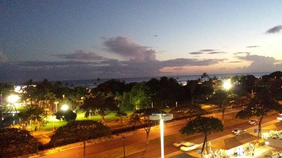Mariposa: floating lanterns at Ala Moana beach