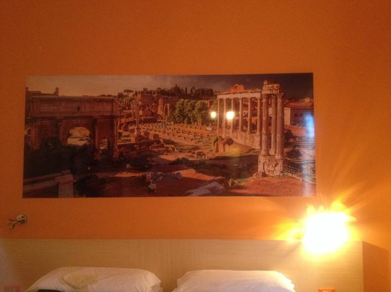 La Mongolfiera Rooms: 部屋に飾ってるある絵