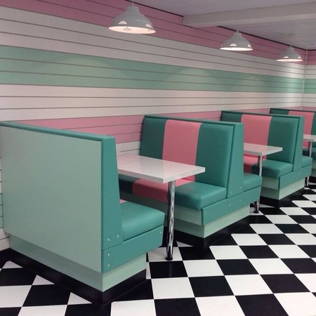 Sweetshakes: Booth seats