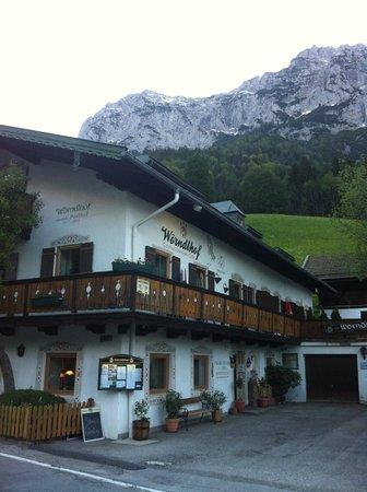 Gasthof Pension Wörndlhof: Hotel w/ Reiteralpe behind