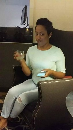 Manhattan NYC–an Affinia hotel: Wine Hour