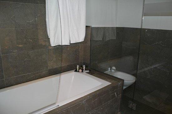 Hospes Palacio del Bailio : salle de bain