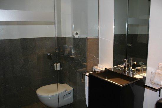 Hospes Palacio del Bailio: salle de bain
