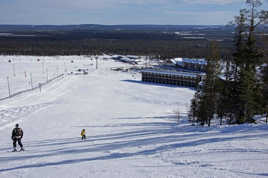 Lapland Hotel Saaga: Looking onto the back of the hotel from the piste