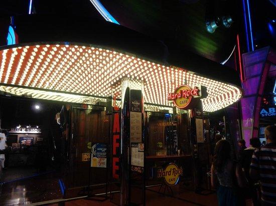 Hard Rock Cafe: LA ENTRADA