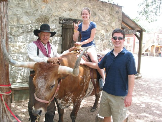 Enchanted Springs Ranch: Photo on a Longhorn