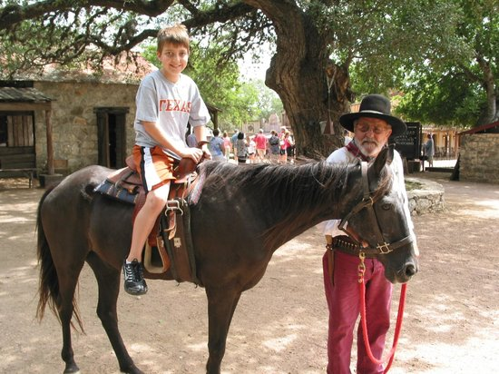Enchanted Springs Ranch: Horse rides