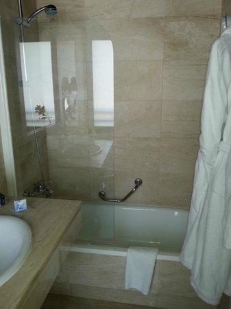 H10 Montcada Boutique Hotel: salle de bain