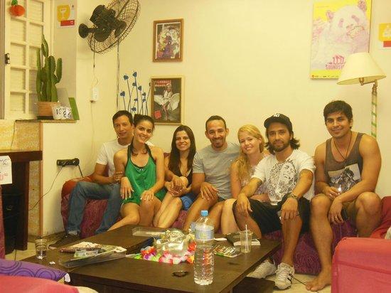 El Misti House: Sala de interação com muita gente legal