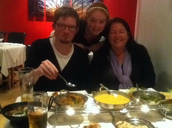 Indian Ocean: Absolutely superb - great food, fantastic ambience and service, and all at an affordable price!