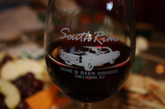 South Rims Wine & Beer Garage: Great Wine & Appetizers