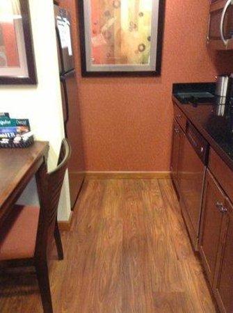 Homewood Suites Rockville - Gaithersburg: Kitchen view 1