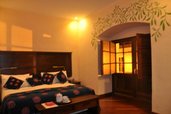 La Casona de la Ronda Heritage Boutique Hotel: Our second floor room!