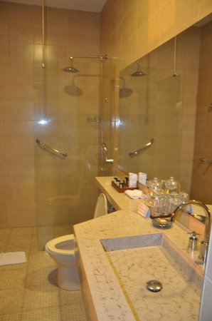 La Casona de la Ronda Heritage Boutique Hotel: Beautiful bathroom