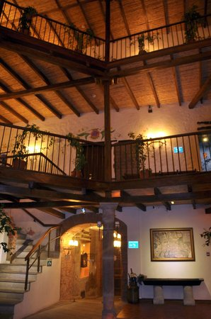 La Casona de la Ronda Heritage Boutique Hotel: Inside the main atrium, looking up towards our room