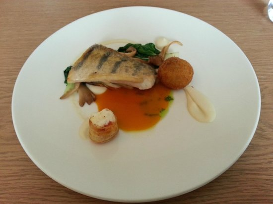 3 Pavaru Restorans: Pike perch with carrot sauce