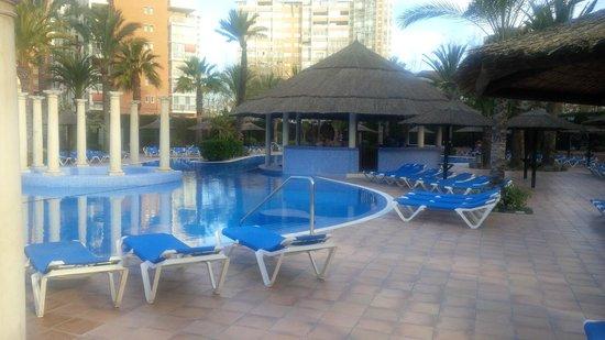 Sol Pelicanos Ocas: Nice looking pool.